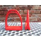 Steigbügel Kunststoff sehr leicht Farbe rot