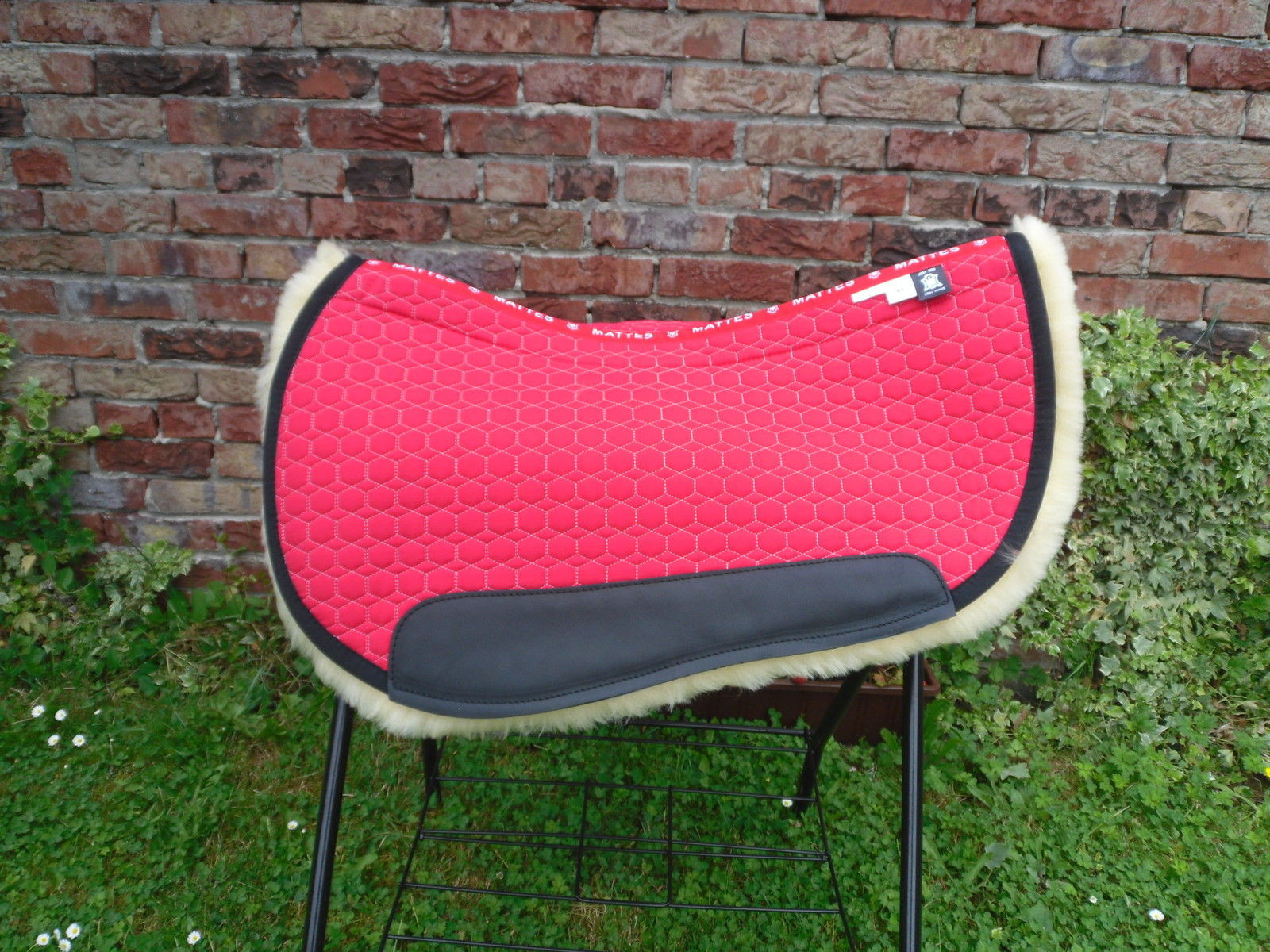 Westernpad Mattes Stoff kirsch rot Fell hellgelb 65 cm Quantum Western S&L