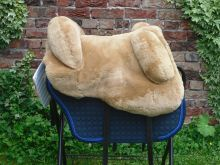 Mattes Lammfellsattel für Kleinpferde Spanisch  Sitzgrösse S M oder L