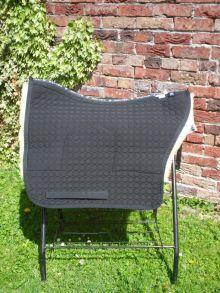 Barock Satteldecke für Deuber Barocksättel und SKL Steppstoff schwarz Fell hellgelb