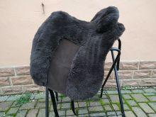 Lammfell Zalea für Deuber Sattel El Campo Farbe braun mit braunem Ledereinsatz
