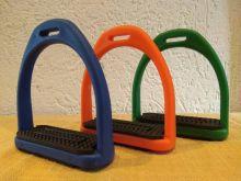 Steigbügel Kunststoff sehr leicht verschiedene Farben